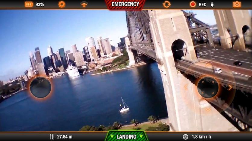 AR.Drone2.0 Elite Editionは720p - 30fpsのHD動画を見ながら操縦できる