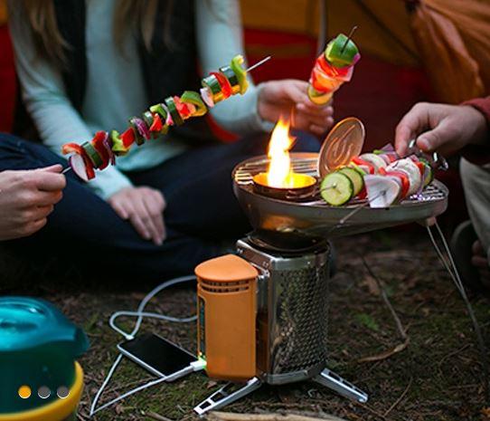小枝を燃やして発電できるストーブを作ってるメーカー