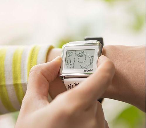 EPSONのスマートキャンバスは電子ペーパーならではの低消費電力を活かした常時表示が魅力